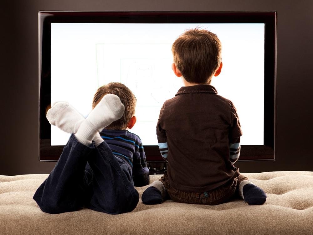 Xem tivi có lợi hay có hại?